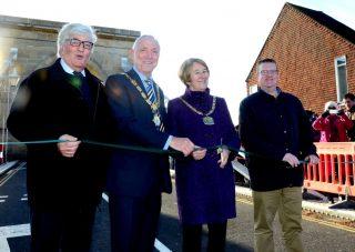 marlow-bridge-reopening-cropped-richard-scott-bob-johnson-val-letheren-mark-shaw-ribbon-cutting