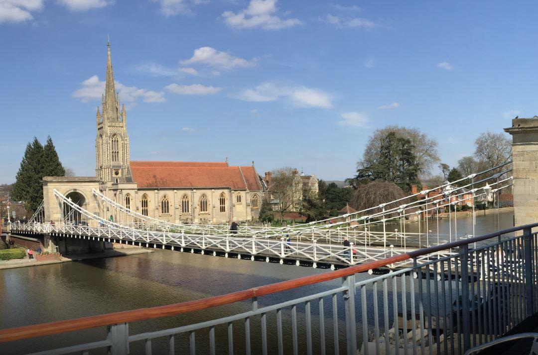 marlow bridge from rowing club