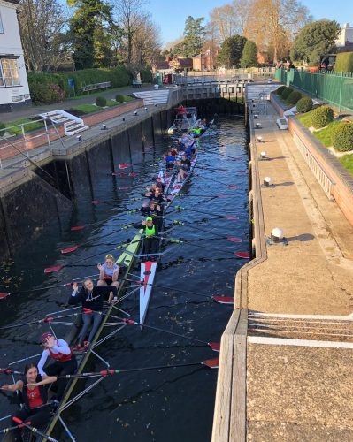 marlow rowing club juniors in the lock