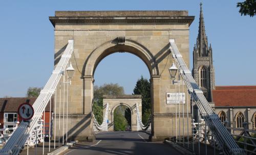 marlow bridge from bisham side